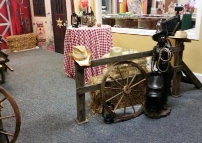 western-theme-decorations-3-900x506
