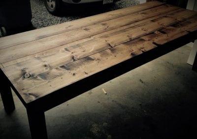 farm-table-1585x949