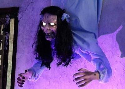 halloween-party-rental-virginia-fredericksburg-possessed-wall-hanging-girl