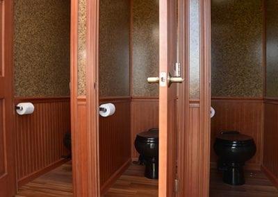 portable-restroom-portapotty-6-person-fantastic-inside-alt