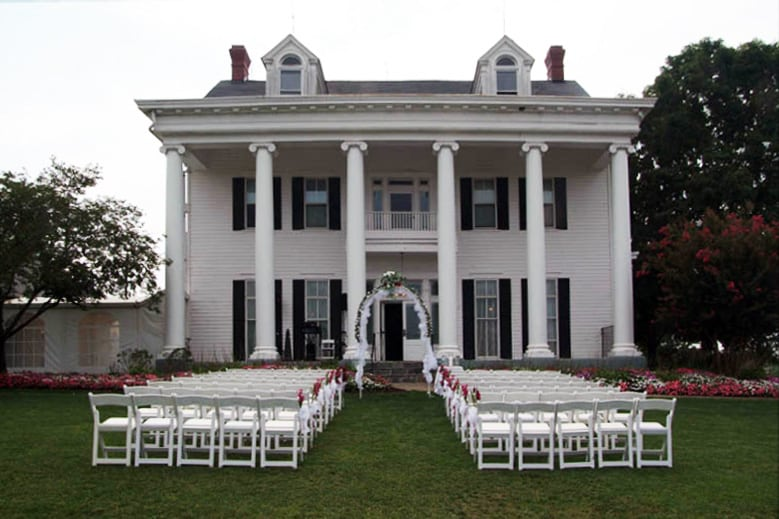 fredericksburg-table-chair-rental-memorable-moments-110-779x519-80