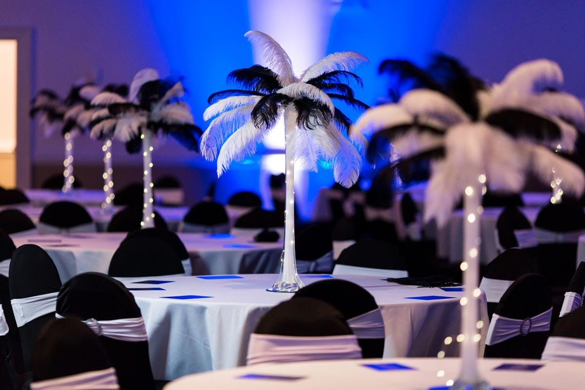 centerpieces-chandelier-rental-wedding-reception-thumbnail_Details-0014-1200x800-50