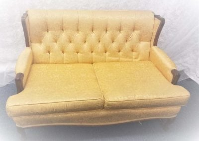 furniture-rental-old-couch
