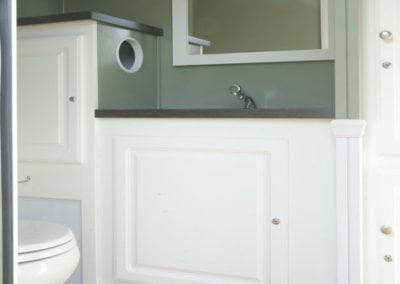 portable-restroom-portapotty-2-person-cottage-inside