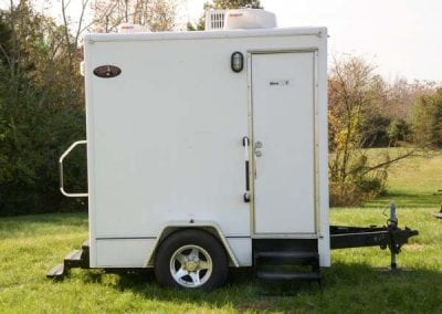 portable-restroom-portapotty-2-station-outside-alt