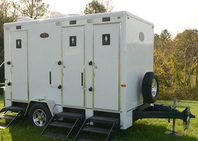 portable-restroom-portapotty-4-person-regal-outside