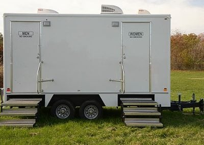 portable-restroom-portapotty-6-person-fantastic-outside