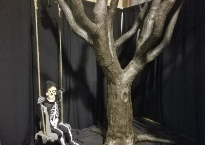 MM-halloween-party-rental-virginia-fredericksburg-PennyWise- Prop-swinging skeleton